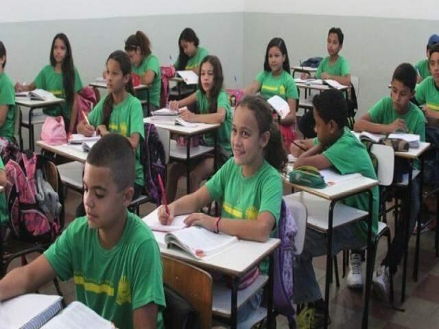 Alunos da rede estadual de ensino em sala de aula (Foto:SED/Arquivo)