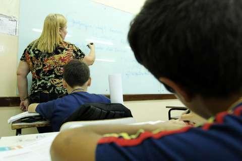 Programa identifica falta, investiga causa e resgata 'aluno-problema'