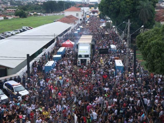 Cerca de 40 mil pessoas lotaram a Esplanada Ferroviária. (Foto: Henrique Kawaminami)