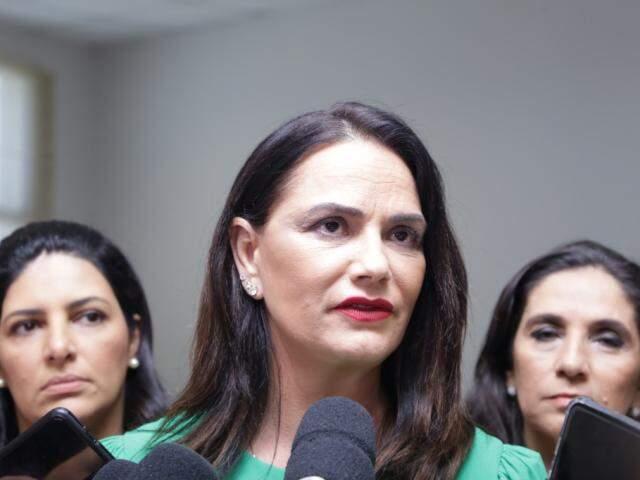 Luiza falou que projetos para reeducar homens tem que ser implantados (Foto: Kisie Ainoã)