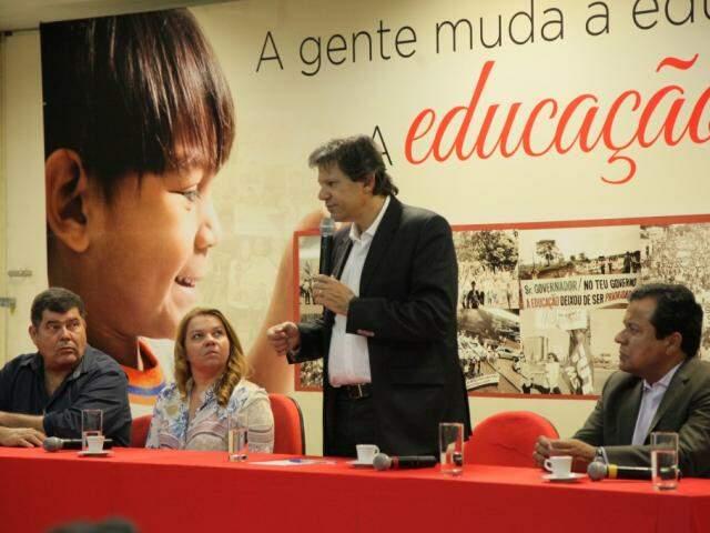 Fernando Haddad conversou em evento na Fetems nesta quinta-feira (Foto: João Paulo Gonçalves)