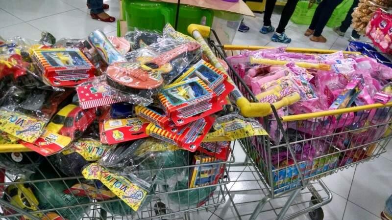Mais de 300 brinquedos foram arrecadados  em uma semana. (Foto: Divulgação)