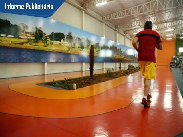 Pista indoor tem 80 metros. (Foto: Alcides Neto)