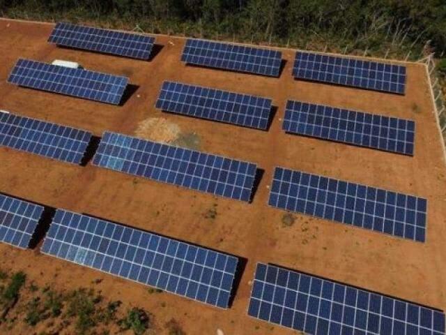 Placas de energia solar instalada em MS. (Foto: Energy Solar).