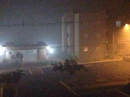 Incêndio em área no Jardim Cerejeiras leva fumaça para vários bairros