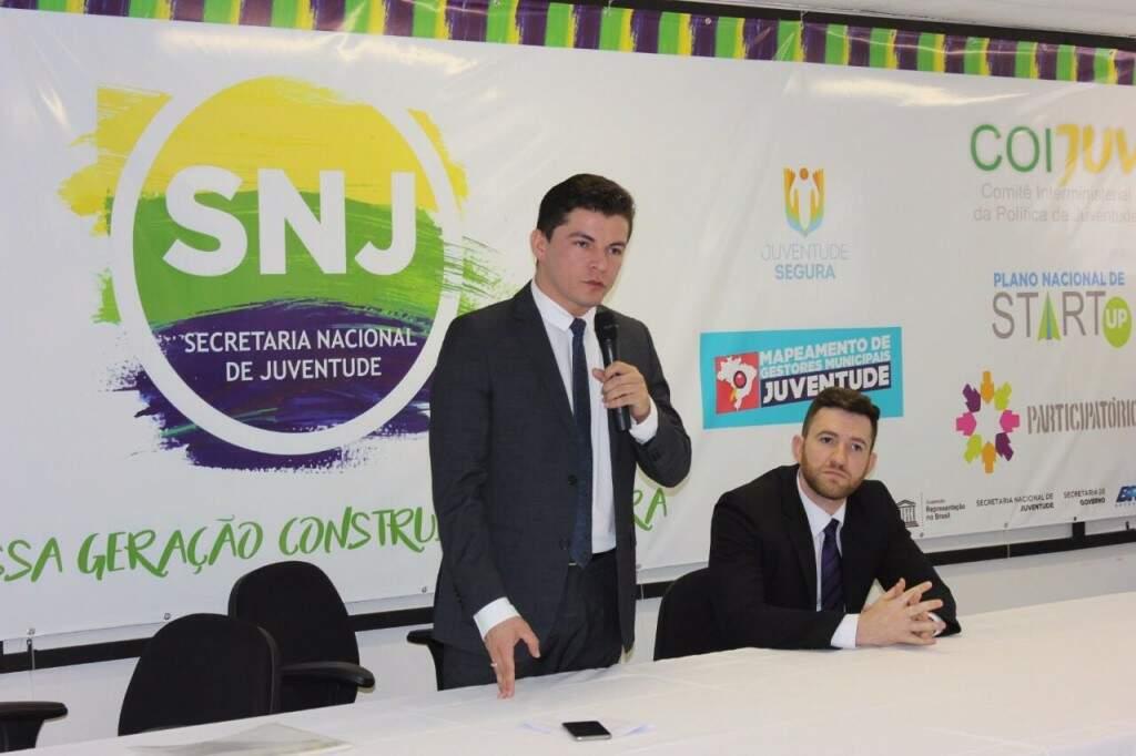 O subsecretário Maicon Nogueira na reunião das equipes técnicas da Subsecretaria de Juventude de Campo Grande e da Secretaria Nacional da Juventude em julho deste ano, em Brasília
