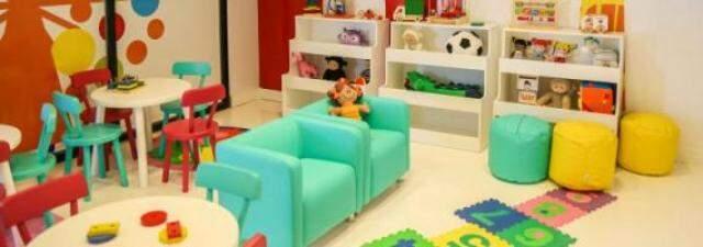 Espaço kids para crianças brincarem enquanto pais compram.