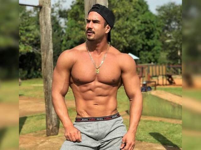 Com estilo e corpo impecável, especialmente o tanquinho, o fisiculturista é também o sex symbol dos homens. (Foto: Arquivo Pessoal)