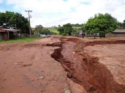 Moradores ficam sem água e alunos sem aulas devido aos danos da chuva