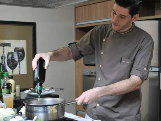 Chef de cozinha em São Paulo, Bruno Duim, conta que expôs as opções de cardápio e deixou para que a noiva escolhesse. (Foto: Alcides Neto)
