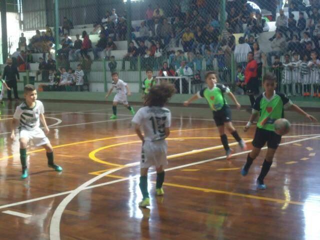 As partidas ocorreram no ginásio Pelezinho/União dos Sargentos, do bairro Amambai. (Foto: Divulgação)