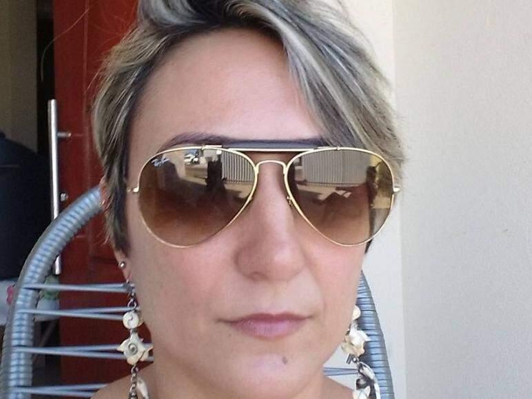 Vítima foi morta a tiros pelo ex-marido (Foto: reprodução/Facebook)