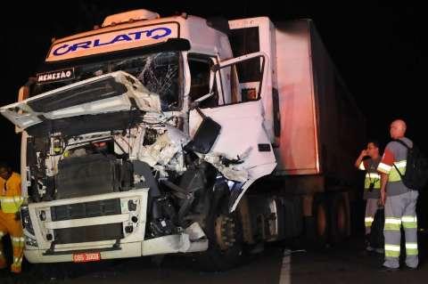 Protesto de caminhoneiros causa acidente na BR-163 e já divide opiniões