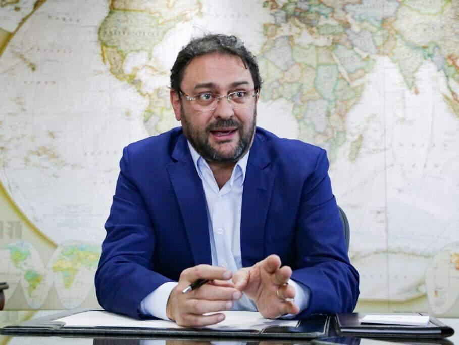 Sérgio Longen, presidente da Fiems, durante entrevista sobre a reforma da Previdência. (Foto: Kísie Ainoã).