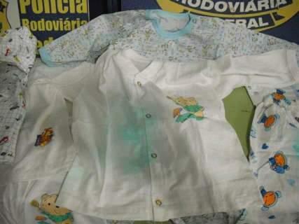 PRF flagra roupas de bebê impregnadas com cocaína em Miranda