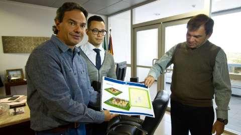 Parceria entre Prefeitura, TRT e MPT vai construir 40 parques infantis
