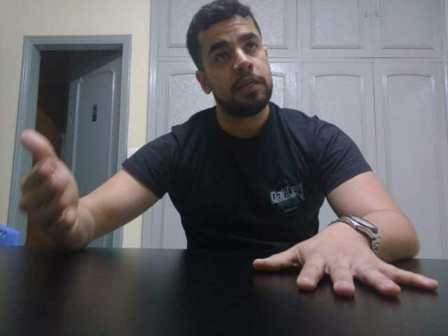 Carlos Molina é advogado, bancário e se queixa pela reputação da família ter sido afetada com a investigação. (Foto: Adriano Fernandes)