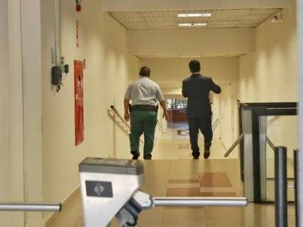 Polícia Federal faz buscas no TCE em sala de conselheiro Osmar Jerônymo