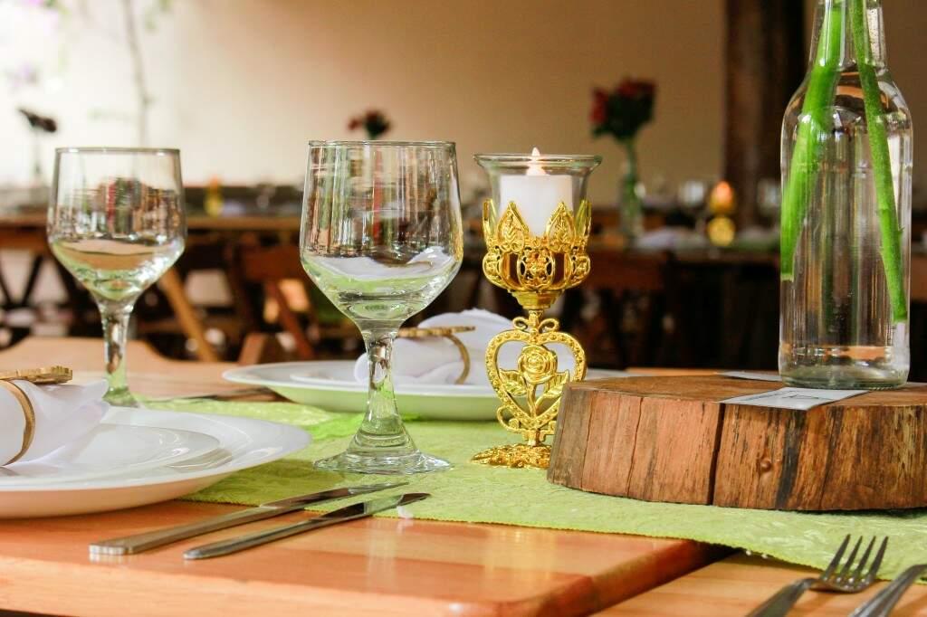 Detalhes da mesa dos convidados. (Foto: Fabio Ozuna)
