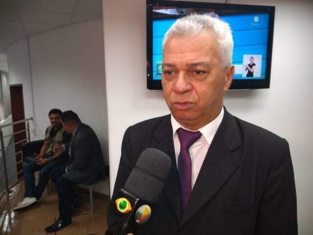Deputado Cabo Almi (PT) durante a sessão desta quinta-feira (Foto: Leonardo Rocha)