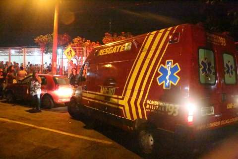 Bairro se une em velório de família que morreu em acidente na BR-060