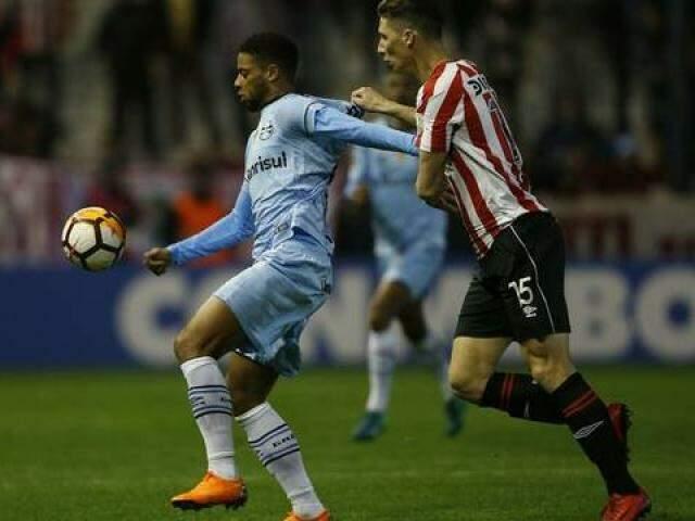 No próximo jogo o Grêmio precisa vencer por 1 a 0 para usar o gol marcado fora de casa a seu favor e passar.  (Foto: EFE/Demián Estévez/GE)