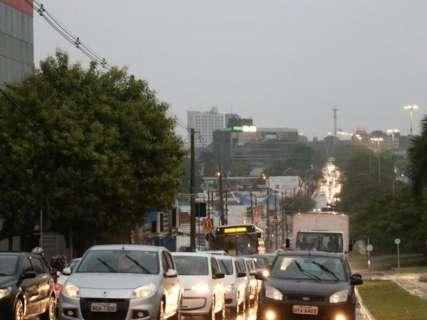 Chove sem parar e tem cidade que já acumula 20 milímetros