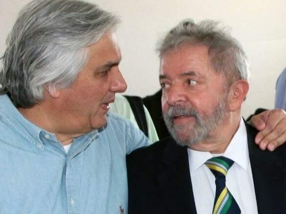 O senador Delcídio do Amaral ao lado do ex-presidente Lula em evento político em MS. (Foto: Arquivo)