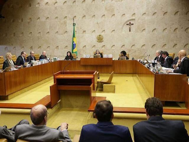 Decisão no plenário do Supremo foi, por maioria, pela aceitação do pedido para julgar habeas corpus. (Foto: Antônio Cruz/Agência Brasil)
