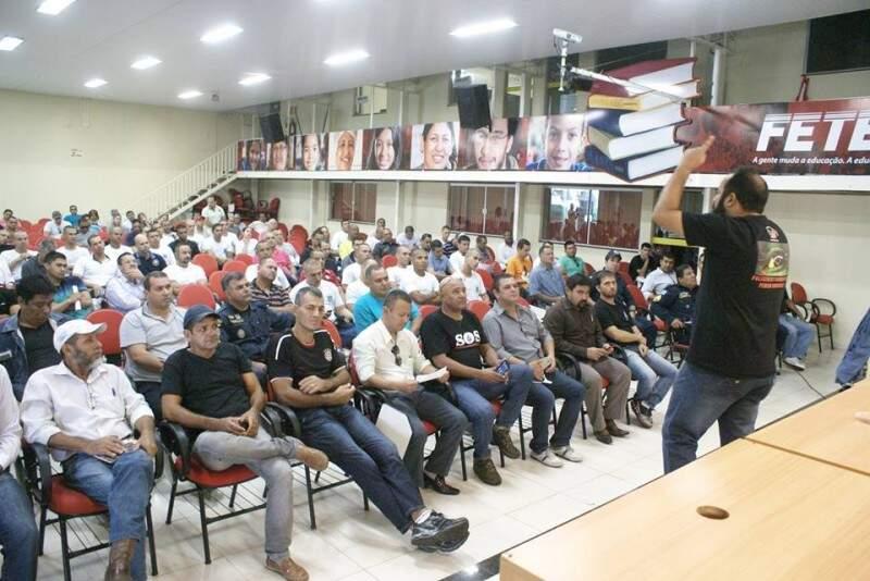 Assembleia da categoria aconteceu na manhã desta quinta-feira (12) na Fetems. (Foto: ACS/Divulgação)