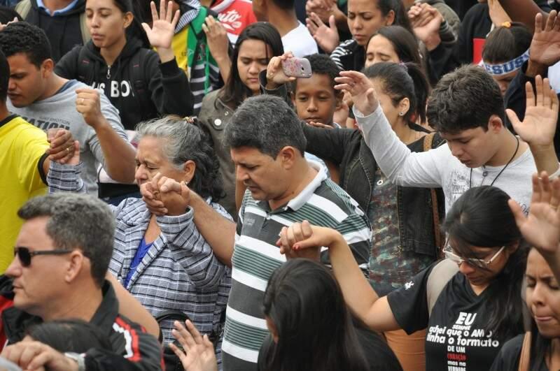 Na religião, campo-grandense se sentem acolhidos e dizem conquistar novos amigos (Foto: Marcelo Calazans)