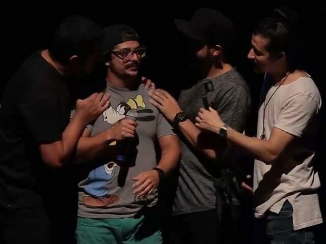 Maior grupo de stand up do Brasil, 4 Amigos dá chance para quem inicia em MS