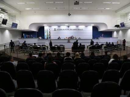 Câmara marca audiência após queixas sobre cobrança indevida de universidade