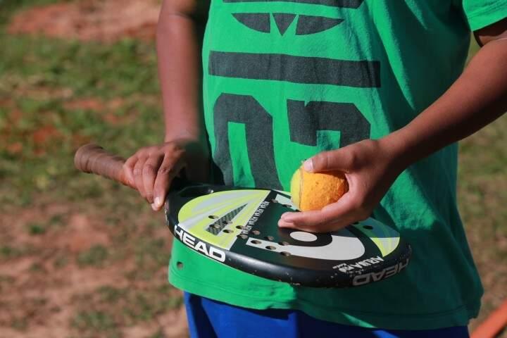 O adolescente de 13 anos transformou a vida durante o projeto. (Foto: Marcos Ermínio)