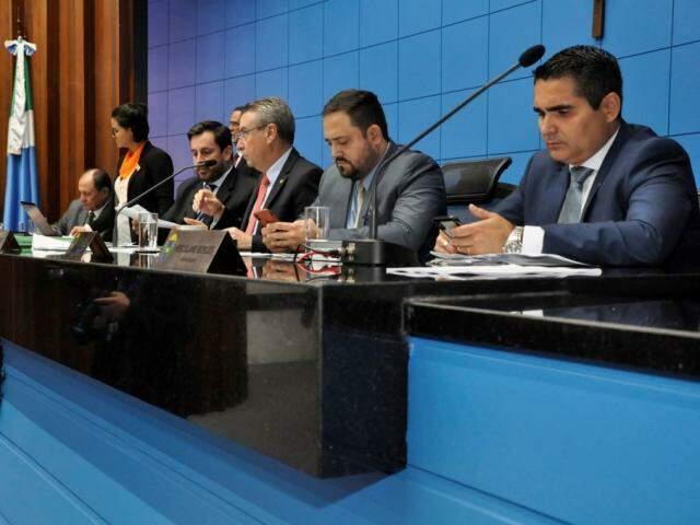 Deputados vão votar projetos na sessão desta terça-feira (Foto: Luciana Nassar/ALMS)
