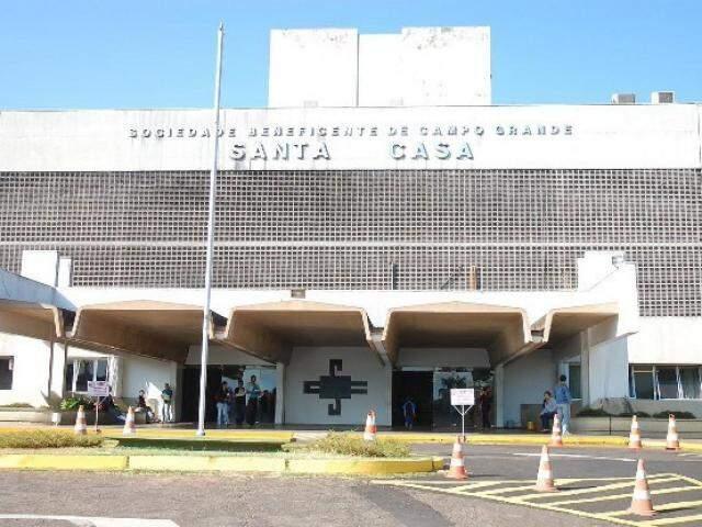 Decisão judicial determina que gestão da Santa Casa seja devolvida a ABCG até abril de 2013. (Foto: Minamar Junior)