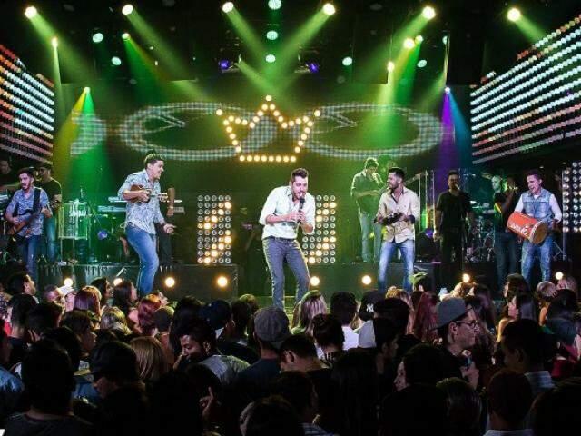 o grupo Samba 10 comemora 15 anos e faz a gravação do DVD Pocket.(Foto: divulgação)