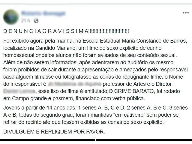 Postagem ainda conta com dois vídeos do momento da exibição do filme Crime Barato na escola.