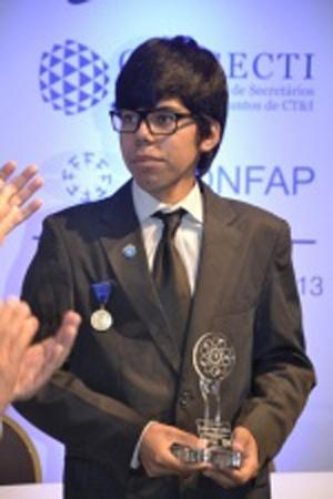 Gabriel irá representar o Estado na Feira Internacional de Ciências e Engenharia. (Foto: Cleber Gellio)