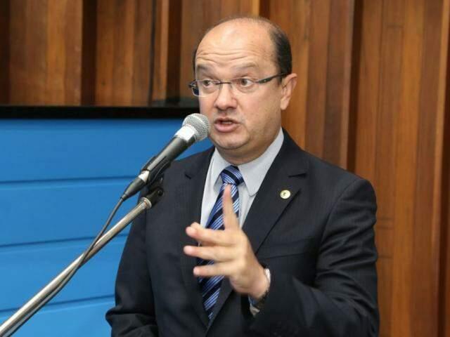 Líder do governo, deputado José Carlos Barbosa (DEM), disse que projeto busca autorização dos deputados (Foto: Assessoria/ALMS)
