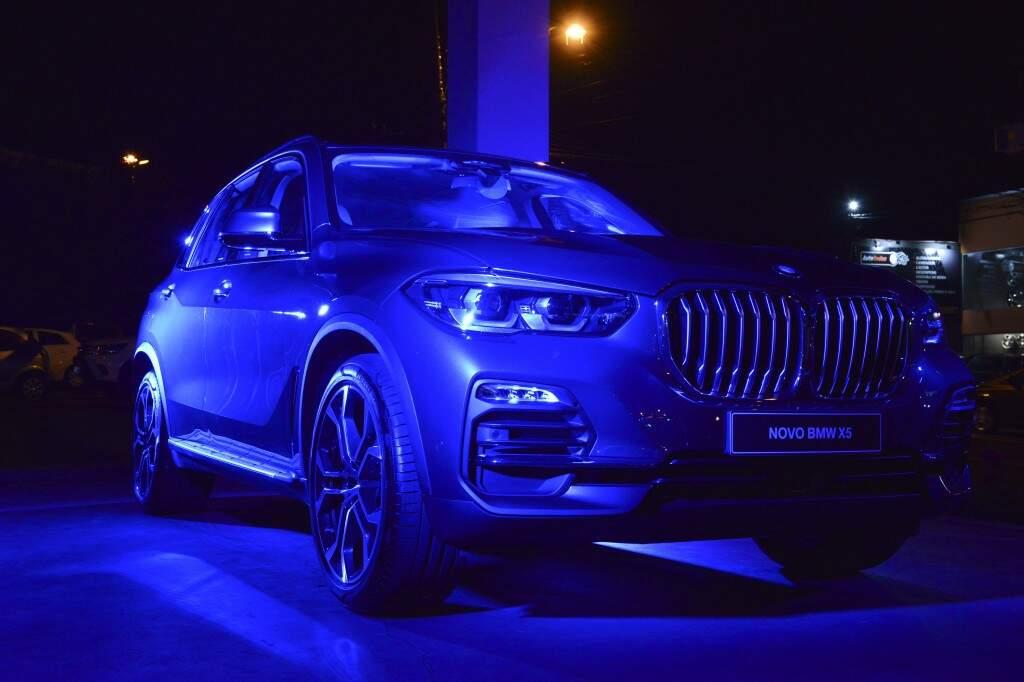 Novos BMW Série 3 e X5 são apresentados aos campo-grandenses