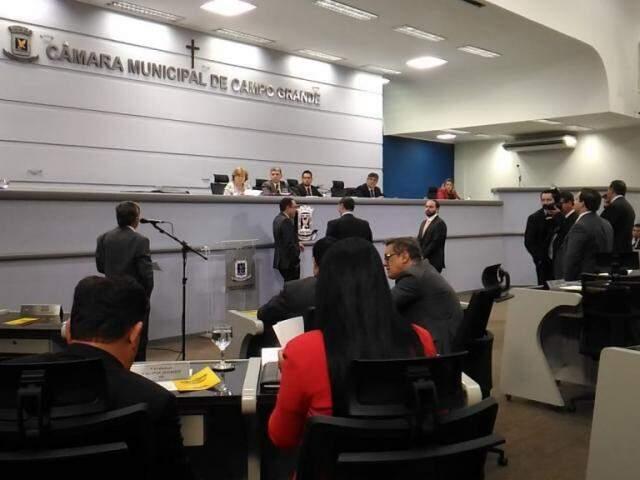 Projetos tiveram três votos contrários durante a votação (Foto: Kleber Clajus)