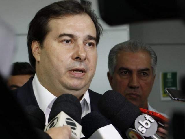 Maia veio ao Estado discutir agendas políticas com Reinaldo; ele se reuniu com bancada federal de MS. (Foto: Chico Ribeiro/Segov)