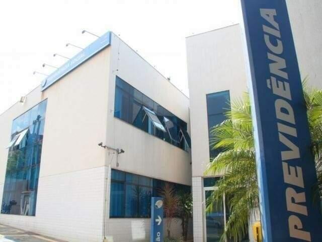 Fachada de prédio do INSS em Campo Grande. (Foto: André Bittar/Arquivo)