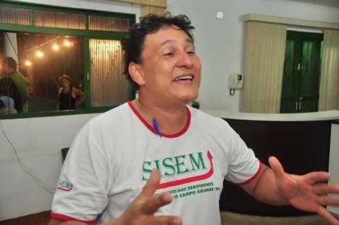 Servidores fazem assembleia para cobrar promessas de Bernal