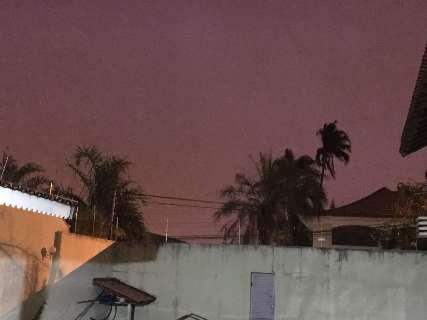 Domingo termina com chuva de granizo e vento em Campo Grande