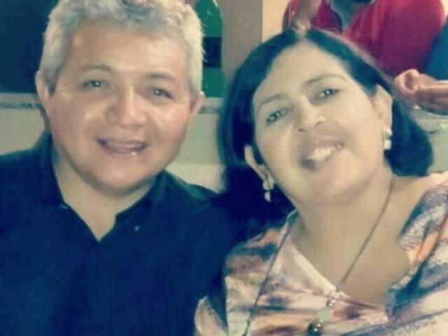 Plínio e a esposa com quem foi casado durante 26 anos e o câncer a levou em 2016.