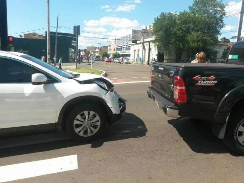 O acidente ocorreu próximo ao cruzamento da Afonso Pena com Calógeras.(Direto das Ruas)