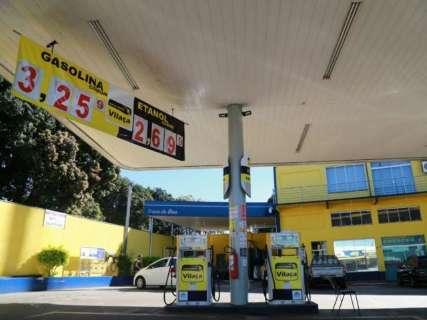 Gasolina e diesel ficam mais baratos nas refinarias a partir desta quinta