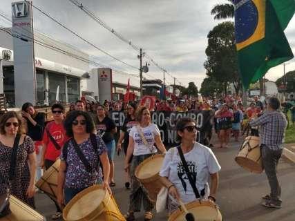 Manifestantes cobram posição de vereadores sobre reforma da Previdência